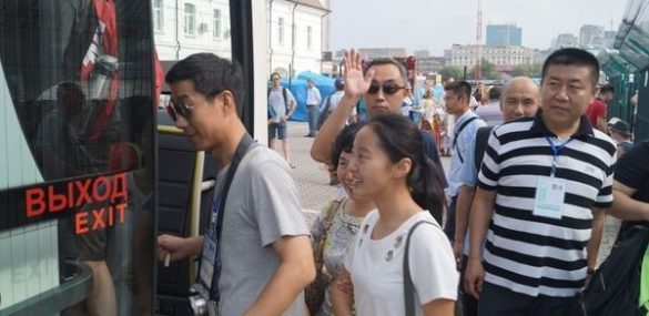 Каждый день в Приморье штрафуют порядка 10 водителей туристических автобусов
