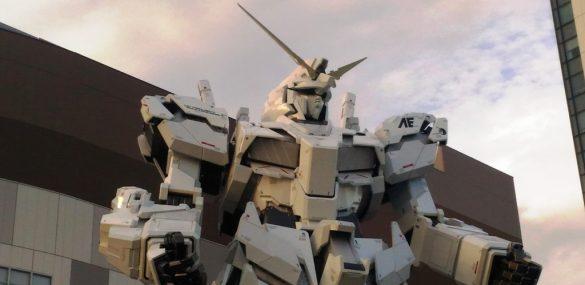 Гигантский робот Гандам  в Токио вновь ожил на радость туристам