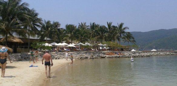 Покурил на пляжах Таиланда? Штраф или на год за решетку