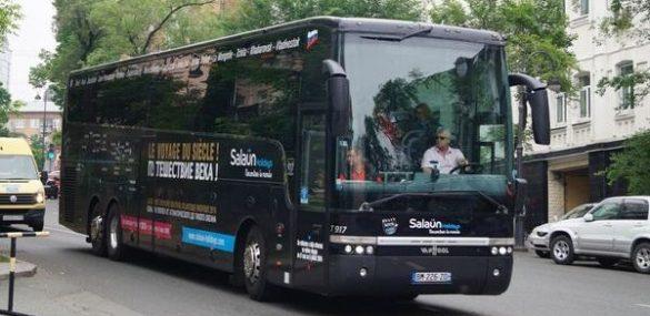 Французы вновь едут на автобусе во Владивосток