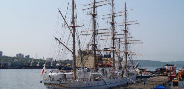 Визит японского парусника Kaiwo Maru во Владивосток или знак морского царя