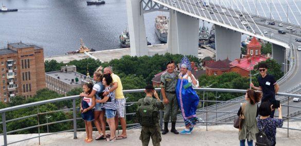 Во Владивостоке полностью закрывают проход к видовой площадке на Орлиной сопке