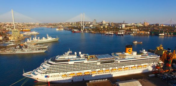 Иностранным судам с туристами дали добро на заходы в порты Дальнего Востока и Арктики