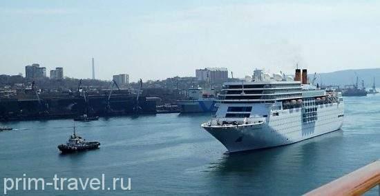 Круизный лайнер Costa neoRomantica пригласили во Владивосток, но не пустили в порт