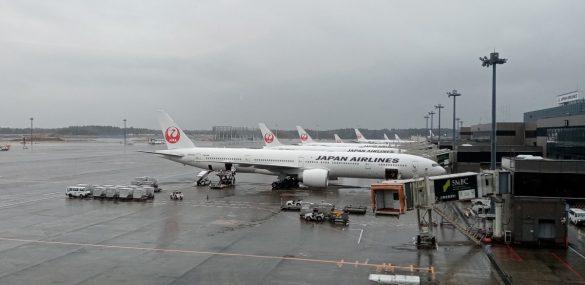 Японские авиакомпании приостанавливают полеты между Токио и Владивостоком