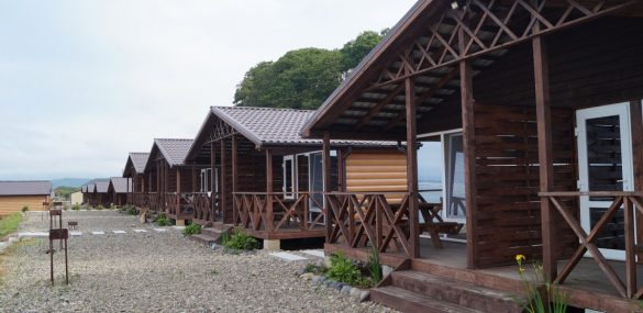 Гостиницы и базы отдыха проверяют на готовность к сезону после снятия ограничений из-за COVID
