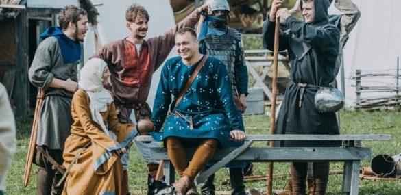 Средневековую ферму на ДВ-гектаре воссоздают участники клуба исторической реконструкции в Приморье