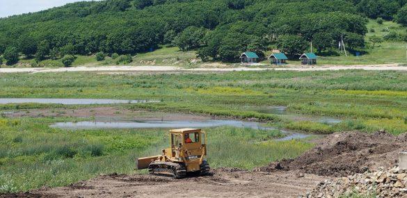 На берегах приморских водохранилищ могут создать условия для отдыха
