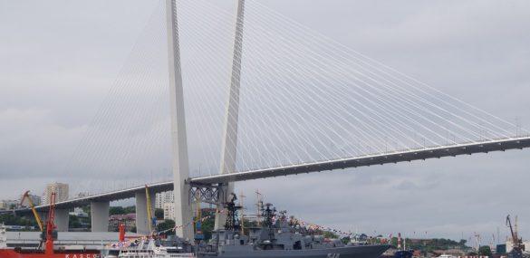 Владивостокцы и гости города после снятия ограничений активно записываются на морские экскурсии