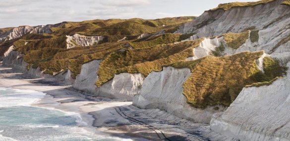 На острове Итуруп хотят построить курорт. Осталось толь ко найти инвесторов