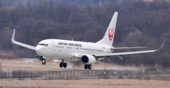 JAL отодвигает выполнение регулярных полетов во Владивосток, но новогоднюю программу выполнит