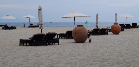 Вьетнам не готов из-за вируса принимать иностранных туристов