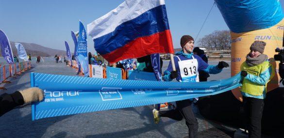 Почти 1000 поклонников бега готовятся выйти на ледовую дистанцию HONOR Vladivostok Ice Run