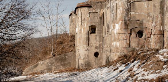 Во Владивостоке женщин на Мартовские праздники отвезут в крепость