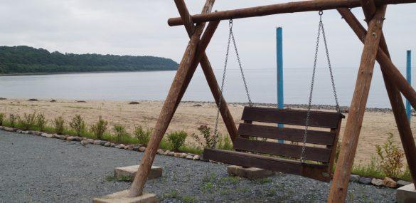 На пляжах Находки выявили незаконную торговлю алкоголем и нарушителей водной зоны