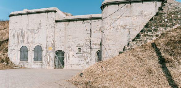 Владивостокцев и гостей города приглашают в путешествие по подземным галереям Форта №7