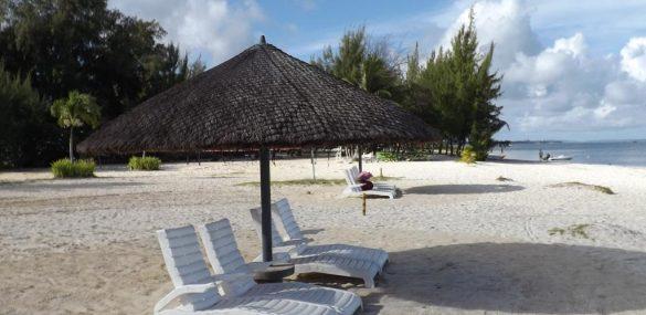 Топчаны и пляжные зонтики выходят на новый уровень