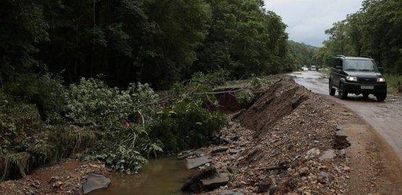 Более 15 тысяч туристов стали заложниками стихии в Приморье