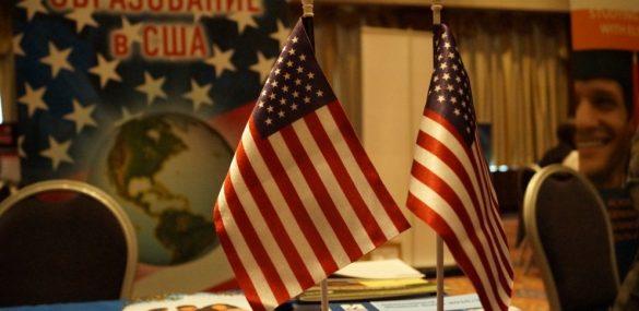 Все  консульства США в РФ возобновили выдачу виз