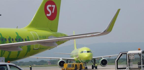 Пассажиропоток через аэропорт Владивостока за 7 месяцев вырос на 18%