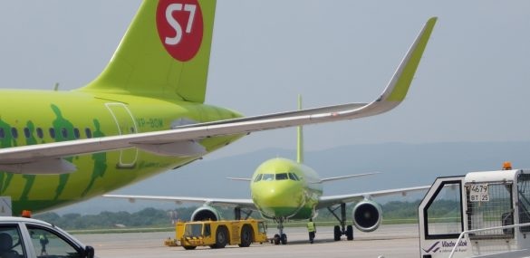 Правительство России поручило сделать авиаперевозки в ДФО дешевле
