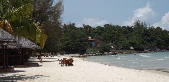 На Боракае могут закрыть 300 отелей, т.к. остров становится  «выгребной ямой»
