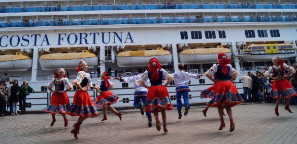 Туристы с Costa Fortuna кричали «Спасибо!» Владивостоку за радушный прием