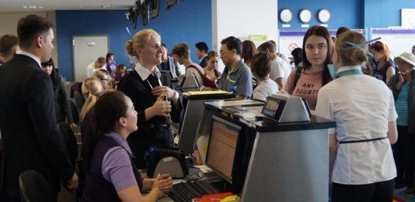 Пассажиров в аэропорту Владивосток стали обслуживать гораздо быстрее