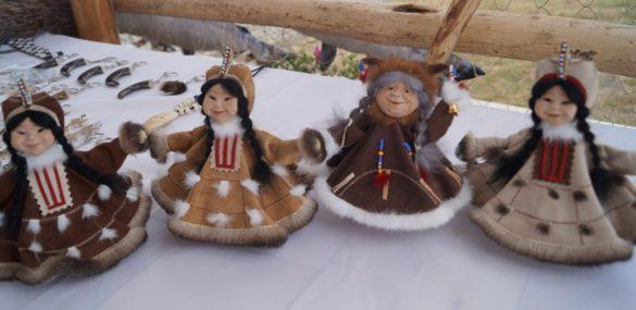 На Камчатке туристы выбирают собачьи упряжкам, горячие источники и катание на снегоходах