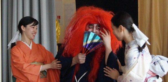 С героями японских мифов и легенд жителей и гостей Приморья познакомит кимоно-шоу